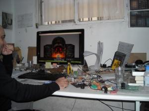Mesa de trabajo de Dionisio Rubio, CEO de Gamezone Miniatures