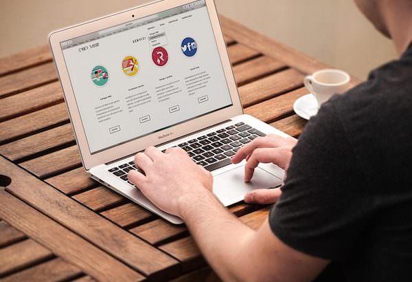 ¿Qué necesito saber para contratar una página web?