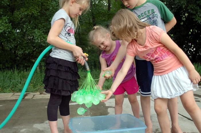 Bunch O Balloons. ¿Te imaginas rellenar 100 globos de agua en menos de un minuto?