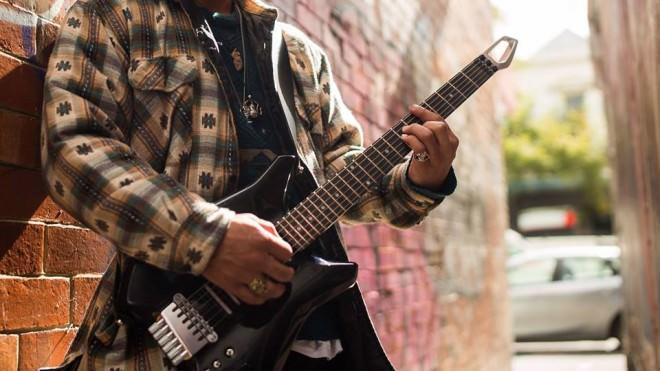 Fusion Guitar la Guitarra Eléctrica Inteligente se Financia en Indiegogo