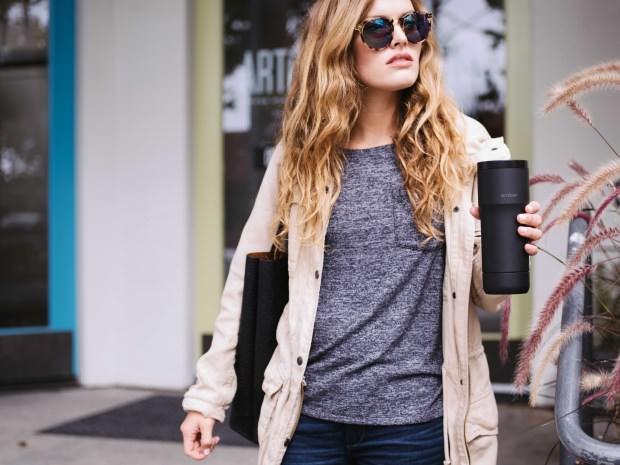 ¿A qué Temperatura te Gusta Tomar el Café? La Respuesta es Ember otro Éxito en Indiegogo
