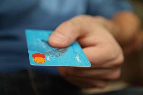 Los millennials huyen de las tarjetas de crédito