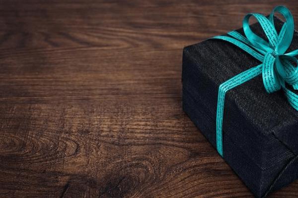 ¿Dónde puedo obtener dinero para un regalo?