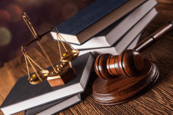Los abogados y la protección de los intereses económicos y jurídicos