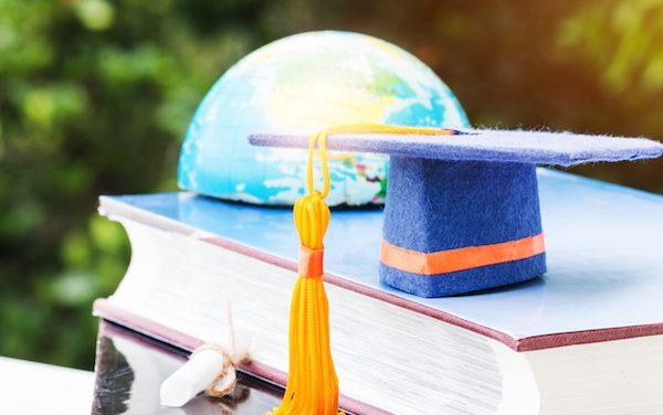 Invertir en formación en el extranjero