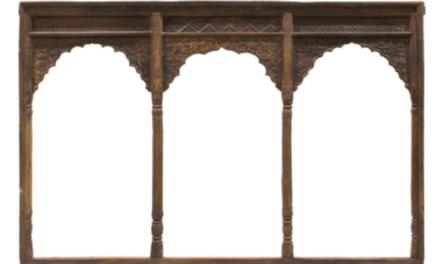 Puertas antiguas de madera, el elemento central de la decoración rústica