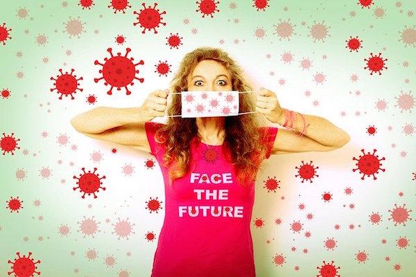 La nueva moda en los comercios: las mascarillas personalizadas con el logotipo corporativo