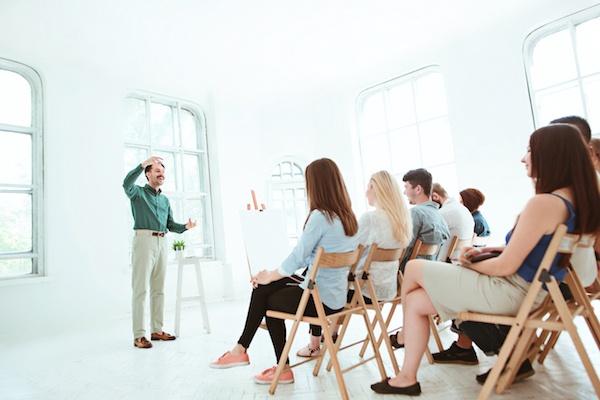 Cómo elegir el mejor peinado para una reunión de negocios