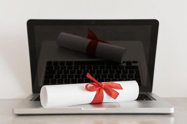 Examenexam se posiciona como la mejor plataforma de certificaciones de idiomas de España
