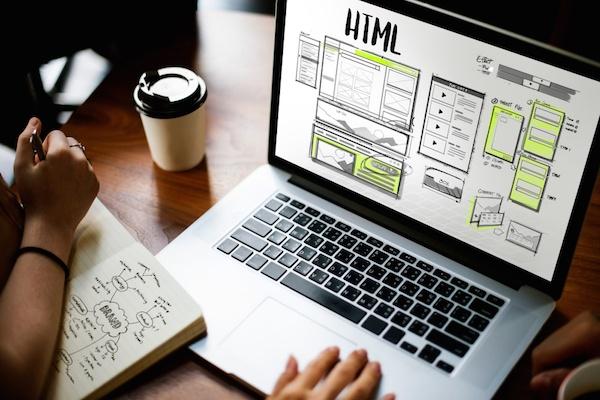 La importancia de tener un sitio web si eres una persona famosa
