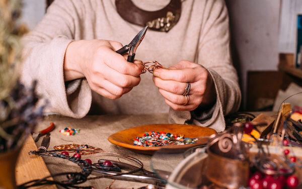 Cómo vender en Etsy y crear tu negocio artesanal en 5 pasos